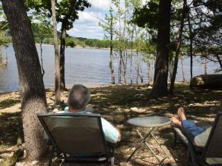 Guest Cabin with Private Lakefront - Just Listed!, Ridgedale