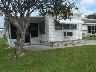 Nice Furnished 2/3 Bedroom 2 Bath MH in Tidvue Est, Ellenton