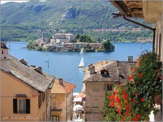 A soli 4 Km dall'incantevole isola Orta San Giulio