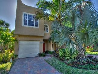 Walk to the Village or the Beach, Everything is in Reach from this SK Rental, Siesta Key