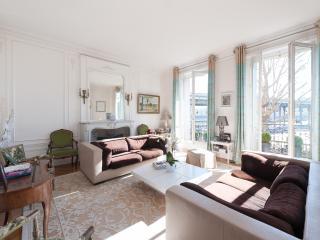 onefinestay - Avenue du Président Kennedy apartment, Paris