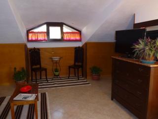 Residenza Lazzaro, Mongardino
