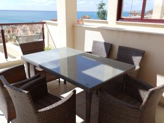 MH24- 2 Bed Apt Near Beach, Isla Plana