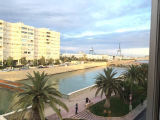 Apartamento con dos dormitorios cerca de la playa, Alicante
