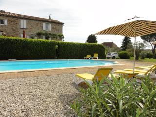 Gîte avec piscine privée pour 10 personnes., Lablachere