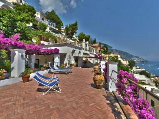 Cozy two story house - A643, Positano
