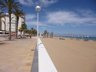 Beachfront Urbanova Beach. Wonderfull Resort. Pool