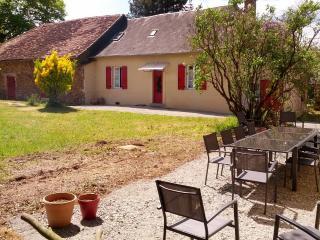 Gîte en Corrèze, 4 ch, jusqu'à 10 personnes.