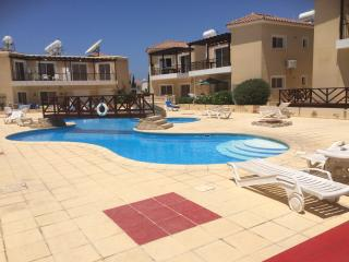 Apartment On Sirena Cypria Complex, Pafos