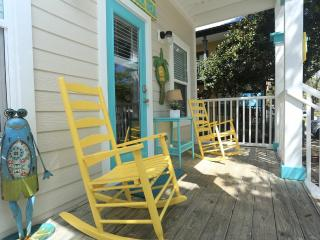 Perfect for Family Getaway! Walk to Beach & Shops!