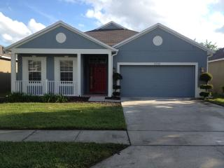 Lakefront PET FRIENDLY 2/2 Home near attractions, Orlando