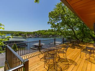 Newly Remodeled Lakefront Home, Osage Beach