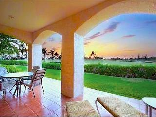 New- Luxury Villa- 2 Master Ensuites- Fabulous Lanai Sunsets- Walk to Beach, Waikoloa