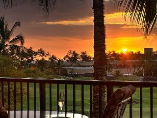 Stargazing Solitude | Deluxe Shores Penthouse #305 Sunset and Golf Views, Waikoloa