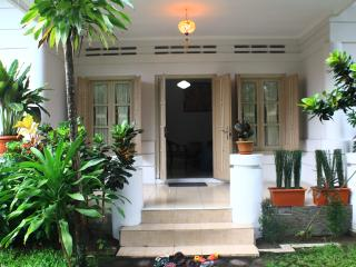 Bale Pandoem Guesthouse