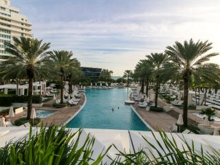 Fontainebleau OceanView Junior Suites, Miami Beach