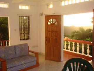 Mountain View Villa - garden apartment, affordable, St. George's