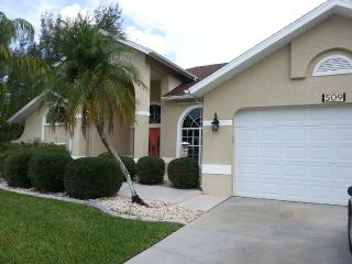 Villa Sunny Breeze Cape Coral Disinfectant Cleaned with Heated Pool on Canal.