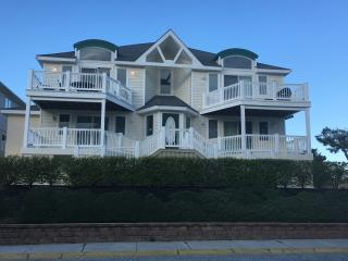 3 Bedroom, 2 Bath Condo With Ocean Views In Presti, Wildwood