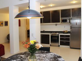 Best location Recoleta ,1 br 1 bh, 30%off, Buenos Aires