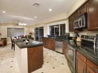 Kierland Home 3BR/3bath - Large Backyard and Pool, Scottsdale