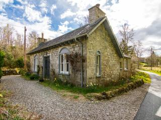 Charming Victorian Gate Lodge to Duchray Castle