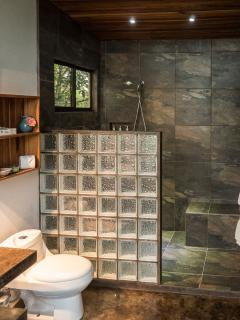 Master Suite bathroom.