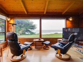 First row bluff home w/ private hot tub & great ocean views!, Sea Ranch