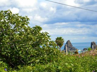 Apartment Ortensia - Apartment in residence with pool located in Acitrezza, Aci Castello