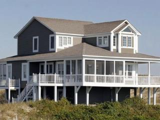 Doc's Inn - Beautifully Decorated Home ~ RA72870, Holden Beach
