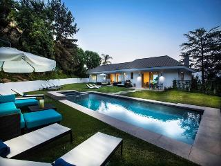 Hollywood Contemporary Retreat, West Hollywood