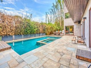 Hollywood Hills Oasis, West Hollywood