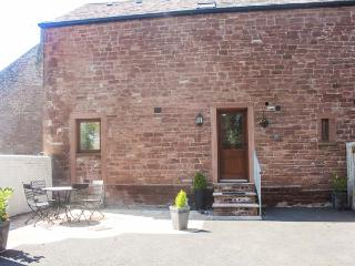THE OLD BOTHY, character cottage on a working farm, woodburner, walks, near Wigt