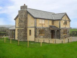 UPPER CLOSE, detached, woodburner, enclosed garden, countryside views, Kington
