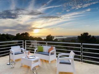 6 bedroom Villa in Cala Tarida, San Josep, Ibiza : ref 2385359
