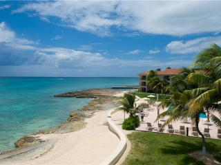 George Town Villas #318, Grand Cayman