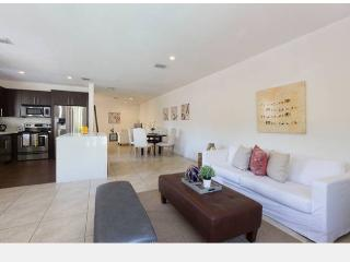 Gated Townhouse with Private Pool, Miami