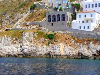 Villla Castello - Studio apartment with balcony, Hydra Town