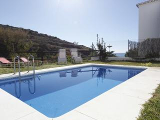 Seaside Villa with heated pool close to Nerja