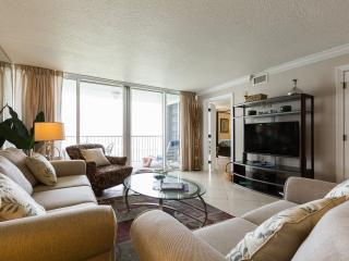 Aqua Waves Condo- Oceanfront & Beautifully Renovated. Includes free beach setup