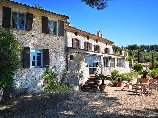 HOUSE WITH CHARACTERHOUSE WITH CHARACTER, Sanary-sur-Mer