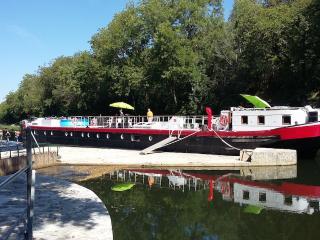 Gîte flottant Bout de Zan, Cepoy