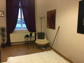4-Bedroom Apt with A/C and balcony, Praga