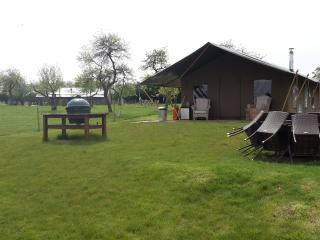 Luxury Camping at Woodhouse Farm (The Pear Trees)