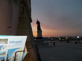 casa e ampio terrazzo, Otranto