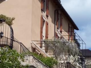 Chambres d'hôtes, en face du viaduc de Millau., Compregnac