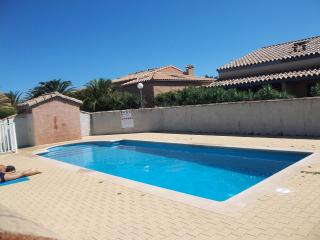 Rental House in residence with swimming-pool, Sainte-Marie-la-Mer