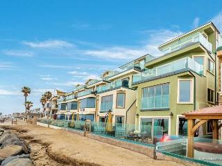 Spacious Brand New 3br, Beach Level Triplex Designer Decorated & AC Equipped