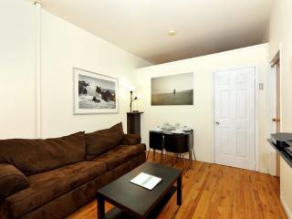 Hell's Kitchen 3BR/1BA by Broadway + Central Park