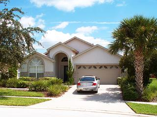 Golden Springs Vacation Home with a Pool and Hot Tub, Kissimmee